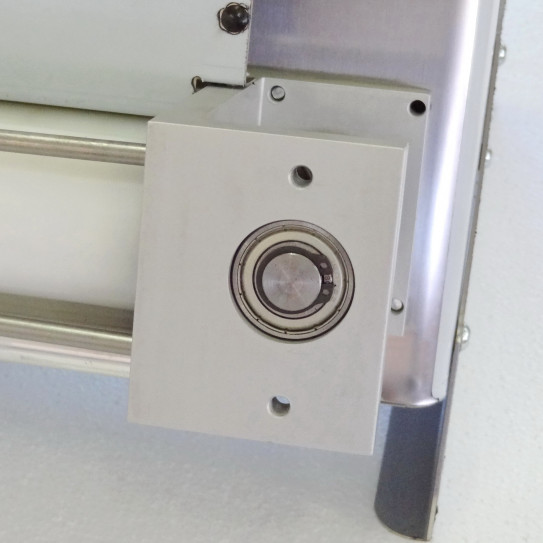 Vue du roulement de l'engrenage renvoi moteur des laminoirs pizzas Prismafood DSA310 DSA420 JILO 42 à partir de 2010