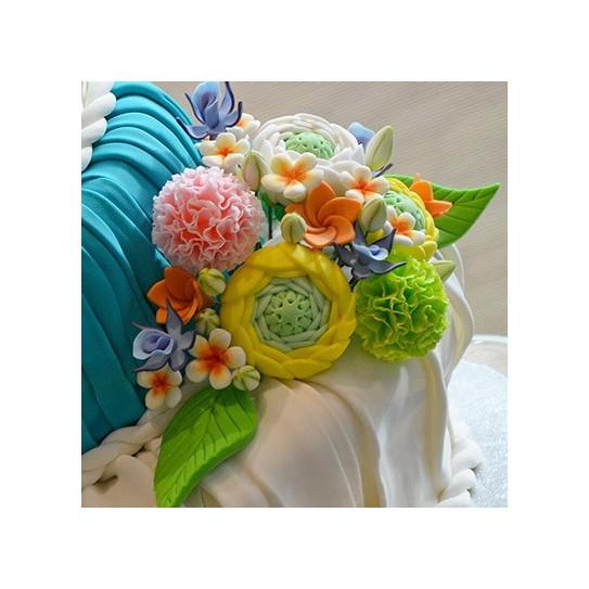 Décor floral en massepain réalisé avec le laminoir 45 cm MAXI SFOGLY