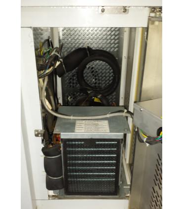 Accès au groupe par porte avec serrure - desserte réfrigérée -2ºC / +8ºC ventilée 1360x600x850 mm